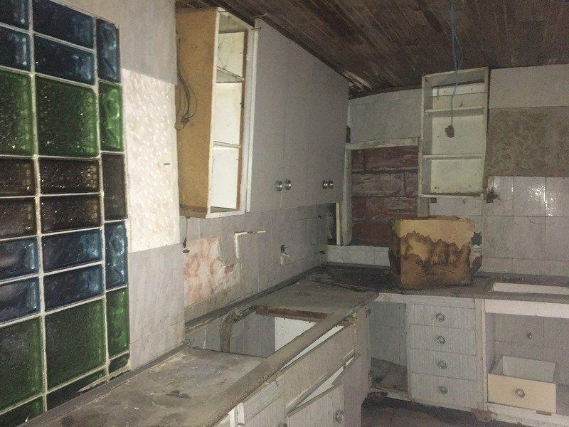 Chalet a reformar en venta en Castellbisbal  (Santeugini)