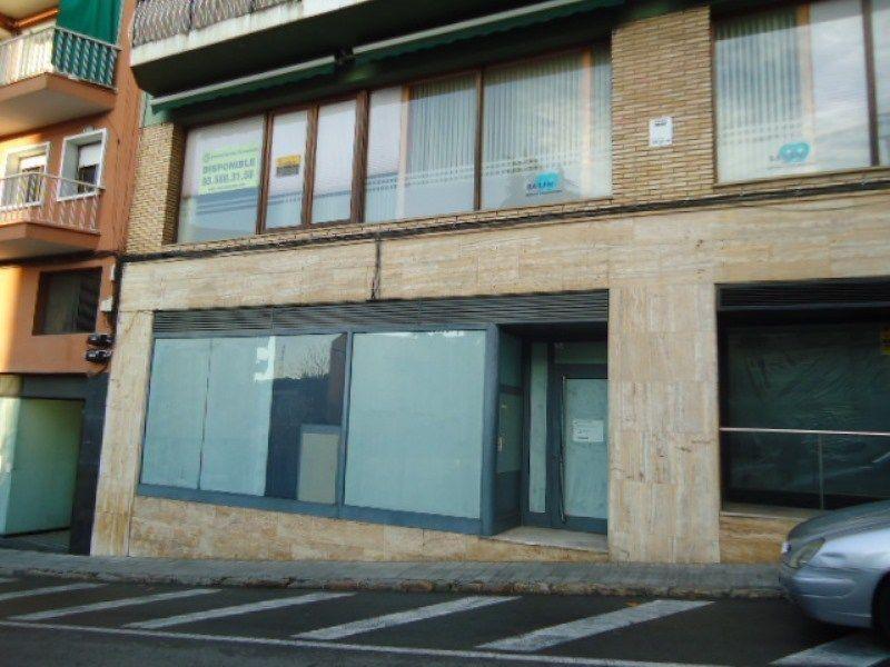 Local de 800 m2 en venta en Rubi, zona Mutua!