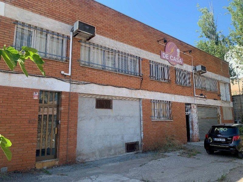 Conjunto de naves en venta en Rubí