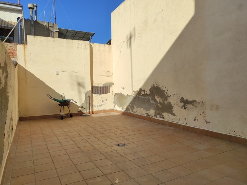 Piso planta baja con terraza de 50 m2!